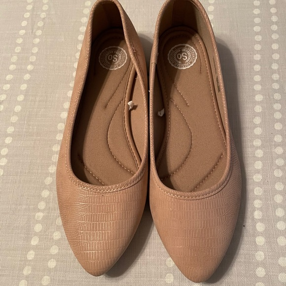 SO Padded Pointed Toe Nude/Blush Ballet Flats NWOT